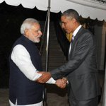 US President Mr. @BarackObama welcomes PM Shri @narendramodi at the dinner hosted in his honour, at the White House. http://t.co/uEr2yMxE9W