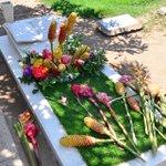 RT @elheraldoco: Vandalismo en tumbas de Diomedes y Kaleth Morales http://t.co/bizryhtuO4 http://t.co/ucE1iOpfbp