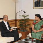 RT @airnewsalerts: CEO @Microsoft @satyanadella calling on the Union HRD Minister @smritiirani at New Delhi today. http://t.co/tk9gqLxNzB
