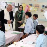 RT @bashirgwakh: Afghanistans president @ashrafghani started his presidency/work by visiting a school. http://t.co/u8RKxwfU4k