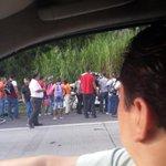 Reportan accidente después del Puente Centenario, con dirección hacia la ciudad. Fotos @Noriel_Alcedo http://t.co/lYbzKlaLF2