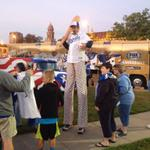 Royals fans starting to pack the plaza! Party starts at 7:30. Giveaways, face painting, music, stilt walkers & more. http://t.co/z4YIZ15jZT