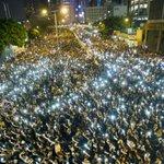 Como hace 25 años, los jóvenes desafían al gobierno de China http://t.co/qnRRr6X8n3 http://t.co/Y4dREwILrm