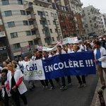 Manif des pharmaciens et professionnels de santé à #lille. Plus de 2 000 manifestants http://t.co/kN2Imf9sM8