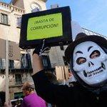 RT @informacion_es: Unas 400personas se manifiestan ante el Ayuntamiento de Alicante y piden la dimisión de Casedo http://t.co/oenFaYNatj http://t.co/uqJs8jFjsb