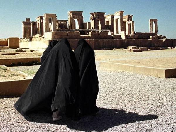 Iran to execute woman for murder of 'man who tried to rape her' http://t.co/ZlPFU46mg1 http://t.co/Keu4oSMMBI