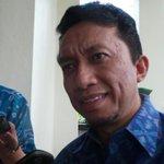RT @kompascom: Mulai Hari Ini Tifatul Mundur dari Jabatan Menkominfo http://t.co/HpbnkKMvwj http://t.co/D03NkepIwZ
