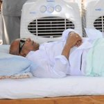 This is M.K fasting on Marina beach for Amma between breakfast and lunch http://t.co/uAg0LxhRNo
