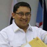 Tambah kacau yg ada RT @kompascom: Gerindra Usulkan Fadli Zon sebagai Pimpinan DPR http://t.co/IIp9c5XbSx http://t.co/fTFtRJf0H0