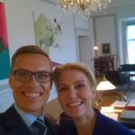 In Borgen with. #selfie #smiley http://t.co/xa2o0pbP33