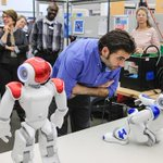 RT @WSJJapan: 19言語を話す人型ロボット、米図書館で活躍へ http://t.co/8QTLMQ3lkB http://t.co/IqGk6cVvt7