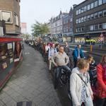 RT @nosop3: #lunchbite Wat er gebeurt als fietsers in Utrecht zich aan het verkeerslicht houden. http://t.co/pA4G6Pg83t http://t.co/dQkR9bO13u