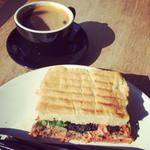 #Pulledpork #applecolslaw #focaccia & #longblack #coffee #heaven #Watford #cafe #lunch @WatfordForYou @intuwatford http://t.co/5hqg7OUT3j