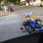 RT @EmisorAtlantico: RT @FrankGalind0: choque en la Cra 54 con calle 50 y no llegan paramedicos http://t.co/sjIt8hD9Rr
