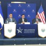 Conferencia de prensa del Srio. Técnico Roberto Lorenzana, Vicepresidente del #MCC Kamran Khan y Jonathan Brooks http://t.co/Tw81gR12QP