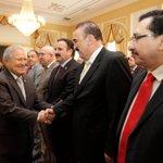 Diputados saludan al Presidente de la República, Salvador Sánchez Cerén durante el acto de firma de FOMILENIO II. http://t.co/FNyhzdtJwg