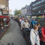 RT @RTLNieuwsnl: Dit was het beeld bij de Maliebaan in Utrecht vanmorgen: een fietsfile van 100 meter http://t.co/FwMDYr9h86 http://t.co/zdfCJZQBIV