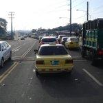 Reporta @Monchy507:a esta hora se registra un tranque a la altura de Arco Iris por operativo en cárcel de Colón. http://t.co/OMe1x8yBqG