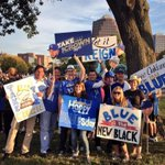 #TakeTheCrown Day at @ThePlazaKC. Join us at the J.C. Nichols Fountain! Bring your blue & bring your signs! http://t.co/Aj404dYUDo