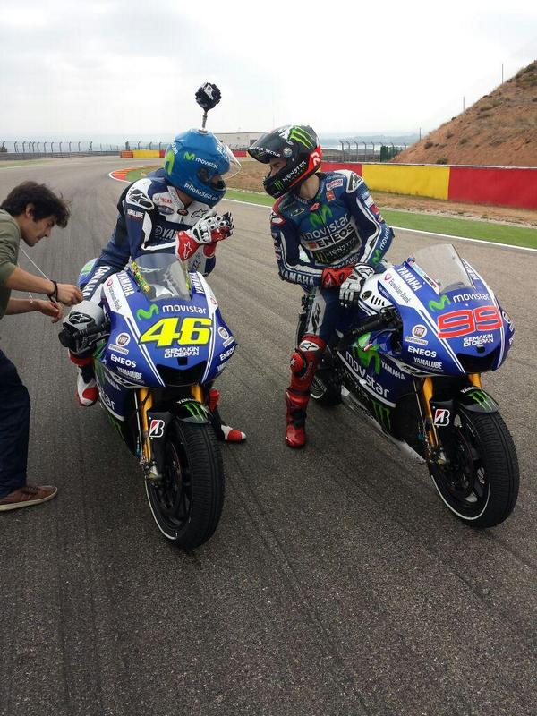 Enjoyed myself on track with @lorenzo99  #yamahamovistar http://t.co/VTR5p6Dggn