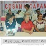 En #Cosamaloapan reunión con alcaldes de la región del #Papaloapan. #CulturadePrevención http://t.co/VCAanSgByd