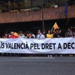 RT @esquerrapv: Davant la Delegació del Govern a València contra la suspensió de la consulta i pel Dret a Decidir #Araeslhora9N http://t.co/V7i0xX4cjE