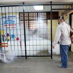 Campaña de fumigación contra el denguey chikungunya se extiende a escuelas públicas del país http://t.co/E9rj81Qv6y v http://t.co/reslUP8KsL