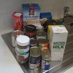RT @Redpeter99: Any worker thinking of voting Tory. This is a foodbank parcel for TWO people for THREE days. Think again. #cpc14 http://t.co/4o0mBTmT0o