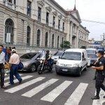 RT @OscarMachon: #TráficoSV en Av.Cuscatlán y Calle Darío por marcha maestros hacia @AsambleaSV @ElMundoSV http://t.co/iR58wZKUIc