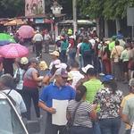 Maestros marchan a la @AsambleaSV @TN21sv @Meganoticias19 http://t.co/5EZ6GMJcLG