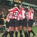 RT @juanmamallo: Celebración del gol del único triunfo del #Athletic en fase grupos de #Champions. Fue de @8JULENGUERRERO Hoy, el 2º. http://t.co/fHAR52XZWf