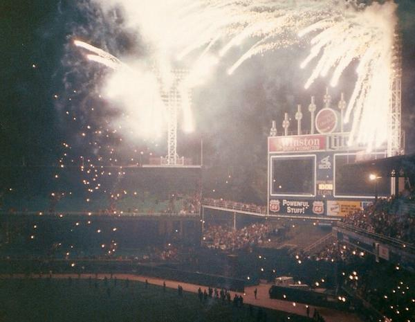 """Today in 1990, @whitesox play their final game at """"Old Comiskey Park"""" http://t.co/RU4pziJTvd"""