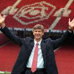 RT @GoonerUpdates: Happy anniversary Arsene Wenger, thank you for all that you have done for this club, we love you! #18years http://t.co/OcK5ExIOek