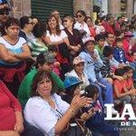 Los morelianos disfrutan del #desfile en el Centro Histórico de la capital michoacana http://t.co/gmEV41PryJ