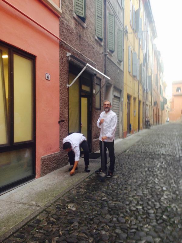 Outside Osteria Francescana a SKINNY ITALIAN CHEF cleans up @massimobottura http://t.co/7mK1u49dDs
