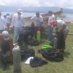 RT @CruzRojaSal: Buzos de Cruz Roja Salvadoreña se preparan para realizar búsqueda de menor. http://t.co/WZyZPhQlC5