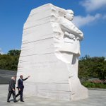 President @BarackObama gives PM @narendramodi a tour of the Martin Luther King Jr memorial #ModiMeetsObama