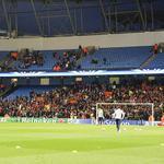 Latmosfera si riscalda allEtihad Stadium. Ecco i tifosi giallorossi, sempre presenti! Forza Roma! #CityRoma http://t.co/9lA0H5P1YB