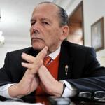 RT @elespectador: Senador Roberto Gerlein regresa al Congreso y anuncia que no renuncia http://t.co/ZAvSOq6CmX http://t.co/f66rFFU9Gy