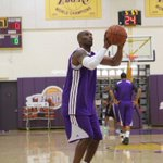 """GARBAGE """"@Lakers: Another shot of the Mamba in action as todays practice gets going. http://t.co/W18019aOFb"""""""