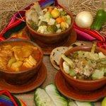 RT @elsalvadorcom: 6 sopas al estilo salvadoreño De patas, gallina india... ¿Cuál prefieres? http://t.co/qwg9mNlzcf ¡Buen provecho! http://t.co/Q1XPK7Fj8Z