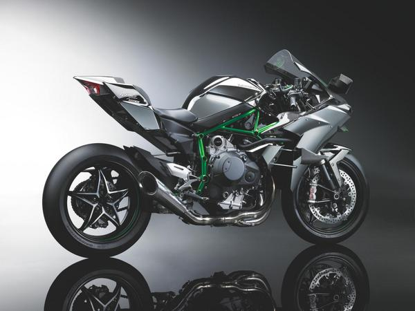 The all-new supercharged 998cc engine of the 2015 Ninja H2R has more power than a MotoGP bike: http://t.co/8eMu23hTcx http://t.co/XLCHkiwkHo