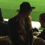 Sublime match de @PSG_inside ce soir avec la sublime @Beyonce souriante #bellesoiree http://t.co/voKTxUqssX