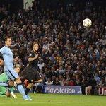 #CityvRoma LIVE! Francesco Totti! http://t.co/iWrndsPbSr