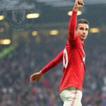Robin van Persies 50 #mufc goals have come against 25 different clubs, in 40 different matches. #RVP50 http://t.co/pwxB444OMB