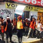 "RT @PrometeoNuclear: Muestras de apoyo de albañiles a estudiantes de IPN http://t.co/SfTTI8nFCc Foto: @C_Mamahua #TodosSomosPolitecnico http://t.co/D8ZgAyZe1h"""