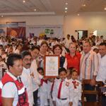 RT @ManuelEscalera: Alcaldes zona #Papaloapan entregaron un reconocimiento a @NoemiGuzmanSPC pro su gran labor en favor de veracruzanos http://t.co/18sqSyl30F