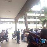 RT @ROUTEK: RT @Sororita: #30S : Colectivos ingresan a la #UCV y golpean a estudiantes. http://t.co/gXLxCAB1jK http://t.co/l56vYuWmDQ d