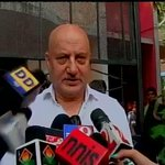 RT @ANI_news: I appeal people of Maharashtra and Haryana to come out and vote so that we can elect the Govt we want: Anupam Kher http://t.c…