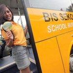 RT @se_bdg: #WartaBDG via @Infobuskota: Bus Sekolah GRATIS sdh kembali beroperasi, skr operatornya @bussuryaputra http://t.co/lTisb6N8YL